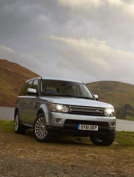 range-rover-by-hills