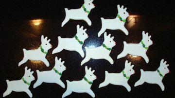 Santa has 100 reindeer in 100 numbered stalls