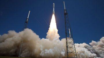 Atlas-V-Rocket-Launches-with-Juno-Spacecraft